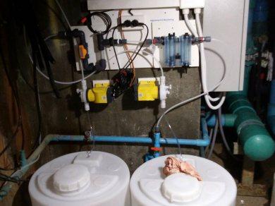 ติดตั้งชุดวัดคุมเคมีแบบอัตโนมัติ สระว่ายน้ำ
