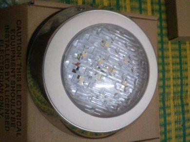 ชุดหลอดไฟ LED สำหรับสระน้ำ