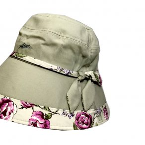 หมวกสตรีปีกกว้าง