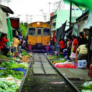 Damnern Saduak Floating Market and Train Umbrella Market (Code 1002)