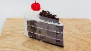 Black Forest Cake (Premium Cake) (ขนาด 3 ปอนด์ ตัด 12 ชิ้น) (สินค้าที่ต้องได้รับการดูแลเป็นพิเศษ)