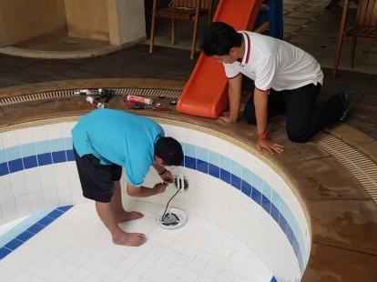งานเปลียนไฟใต้น้ำ เป็นหลอด LED
