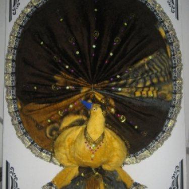 พวงหรีดผ้าขนมิ้งค์ (นกยูง) (ใหญ่) ID:WR JUB-2502
