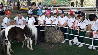 Khansuwan Anusorn School visited Dutch Farm