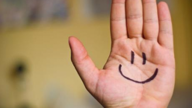 18 วิธีที่จะช่วยให้มีทัศนคติที่ดีในที่ทำงาน
