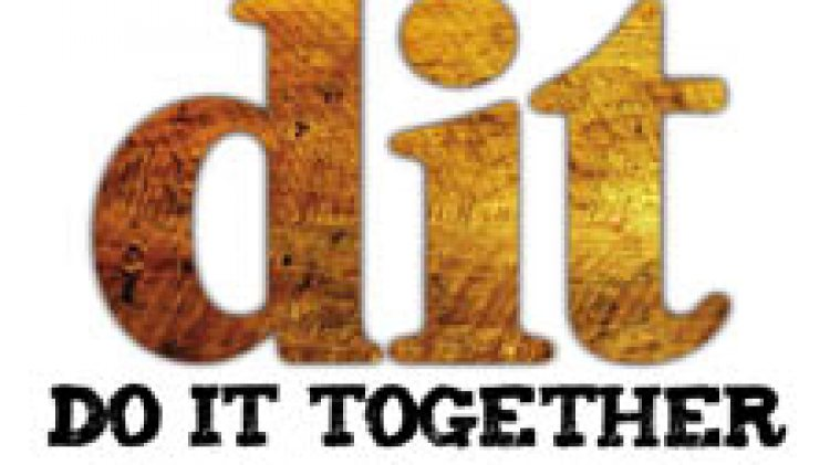 """ร่วมแรงและแบ่งปัน """"DIT= Do it Together"""""""
