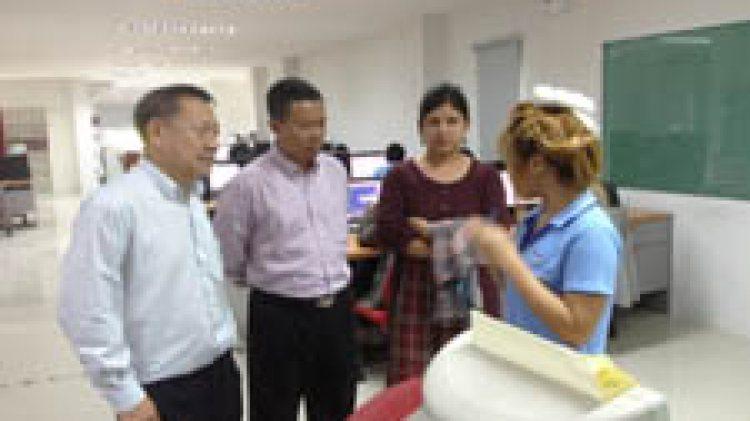 คุณวิชัย เข็มทองคำ และนักธุรกิจชาวพม่า เยี่ยมชมสำนักงานโปรซอฟท์